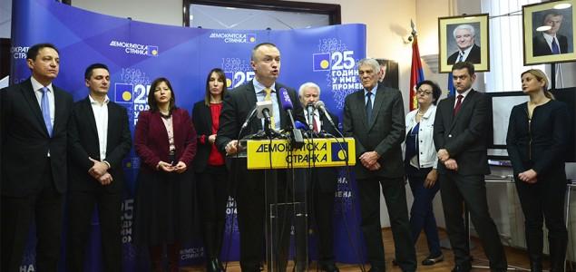 Željko Pavićević: U senci demokratije