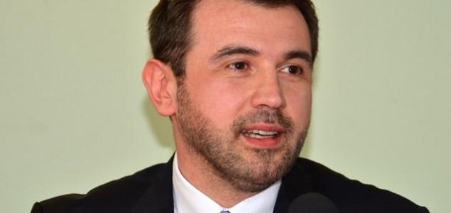 Dennis Gratz zatražio da se Parlamentu podnese izvještaj o poslovanju mostarskih javnih preduzeća