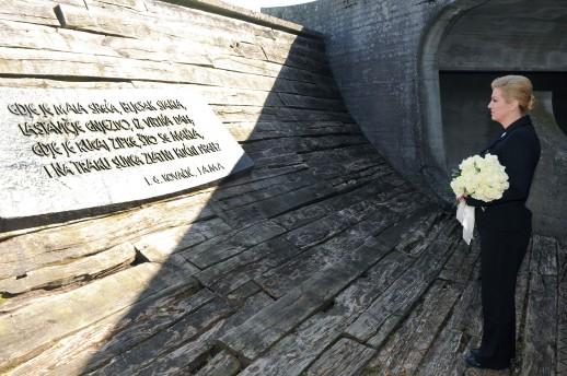 Akvarij-za-Kolindu-Predsjednica-u-Jasenovac-otisla-u-vecoj-tajnosti-nego-Nazor-u-partizane_ca_large
