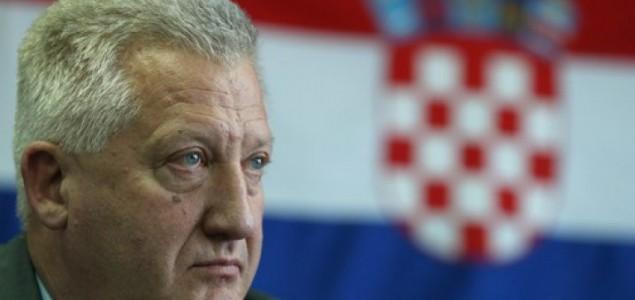 "Predrag Lucić: Maksi-strah od ""mini-Haaga"""