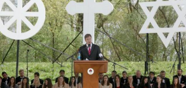 Vučić zloupotrebio godišnjicu proboja Jasenovca