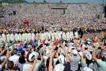 Odletješe Papine poruke u vjetar što vihori hercegbosanske zastave