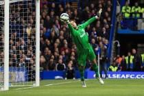 Begović u narednih 48 sati potpisuje za Chelsea?