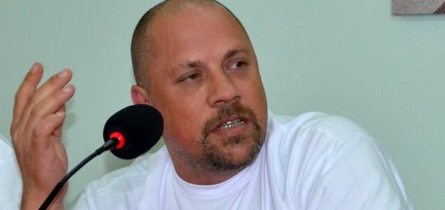 Boris Dežulović: Vrijeme kretena