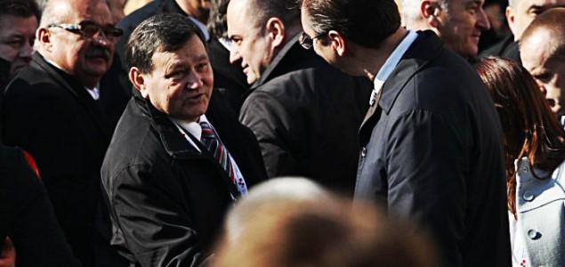 "Na valu pohvala Vučiću, Srbija je već ""velikom tugom"" krenula na""Oluju"""