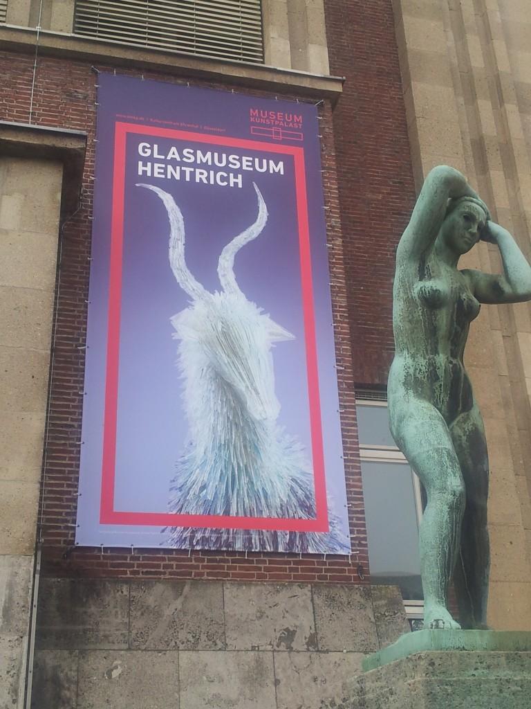 Muzej stakla, plakat na ulazu