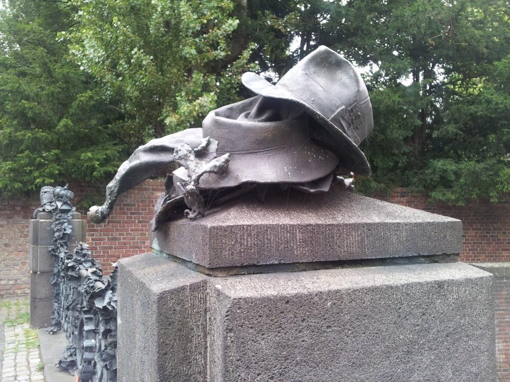 Skulptura sesira na mostu