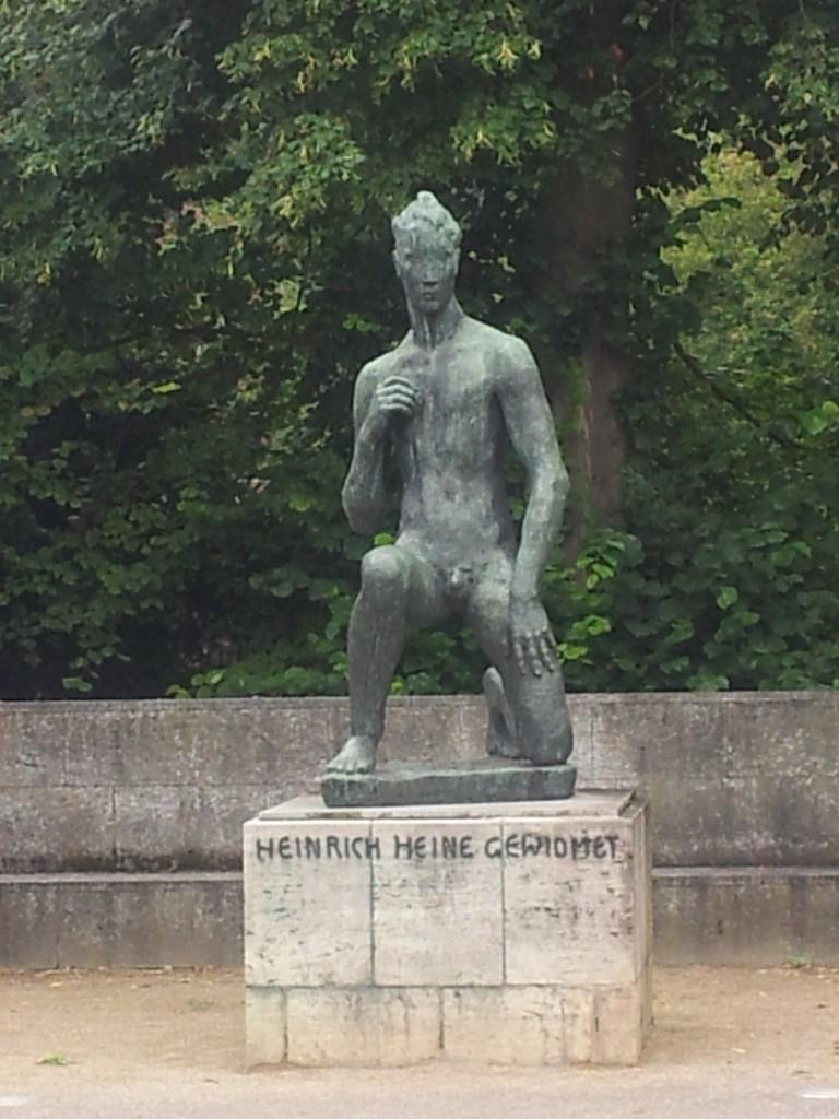 Spomenik posvecen Heinrichu Heineu