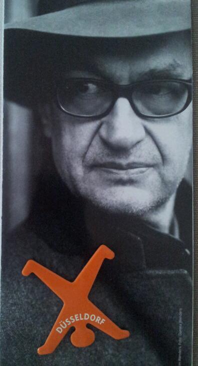 Wim Wender i simbol Dusseldorfa