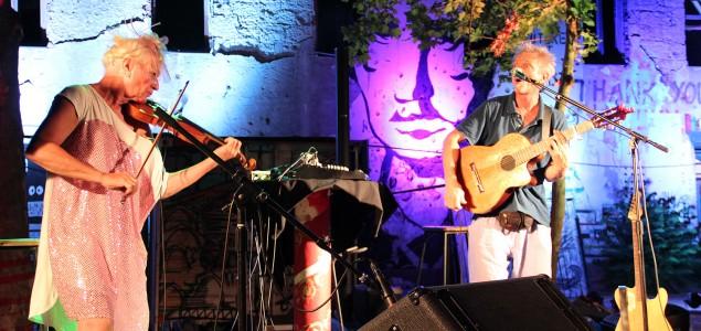 MOSTOVI: Rundek Cargo Trio pred mostarskom publikom započeo bh. turneju