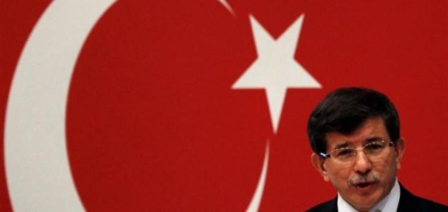 Davutoglu: Sekularizam ostaje dio turskog ustava