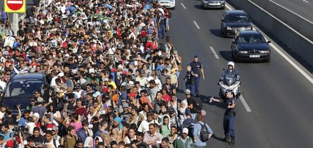 Pješke ka budućnosti: Krenuo drugi val izbjeglica iz Mađarske