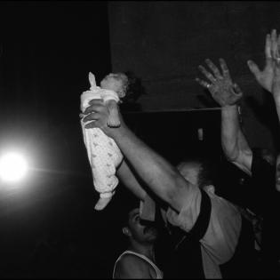 strasna-je-stvarnost-u-kojoj-djeca-stradavaju-ne-fotografija-koja-nas-na-upozorava-3532-3811