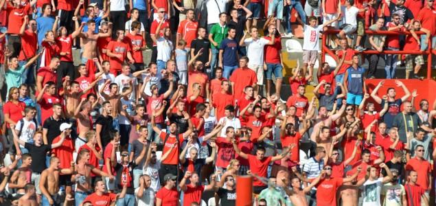 Red Army i podrška Veležu: Hoćemo pobjede!