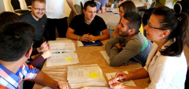 Mladi su aktivni i žele graditi uspješnu Bosnu i Hercegovinu