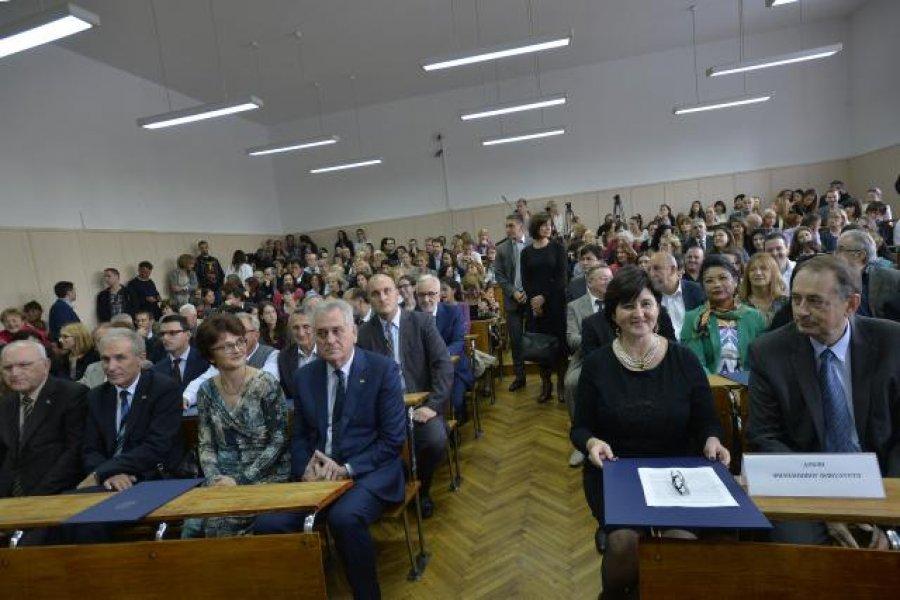 tomislav-nikolic-aleksandra-vranes-filoloski-fakultet-foto-tanjug-zoran-zesti-1444139011-756153