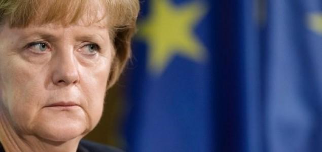 Popularnost Angele Merkel u padu posle napada u Nemačkoj
