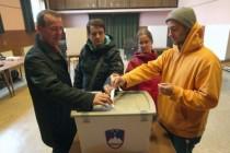 Slovenci na referendumu odbacili zakon o gay brakovima