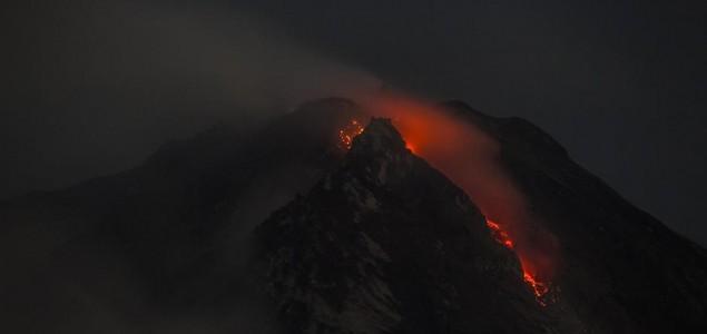 "Ponovo ""probuđen"" vulkan Sinabung"