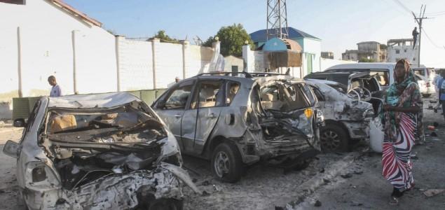 U napadu na restoran u Somaliji ubijeno više od 20 ljudi