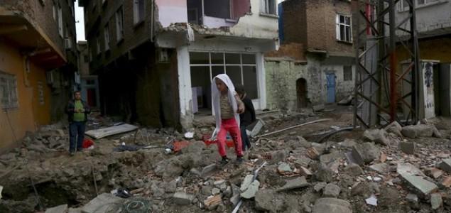 Na jugoistoku Turske odjeknulo najmanje sedam eksplozija: Povrijeđeno 200 ljudi