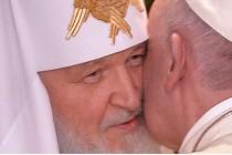 Susret Franje i Kirila: poljubac koji se dopada Putinu