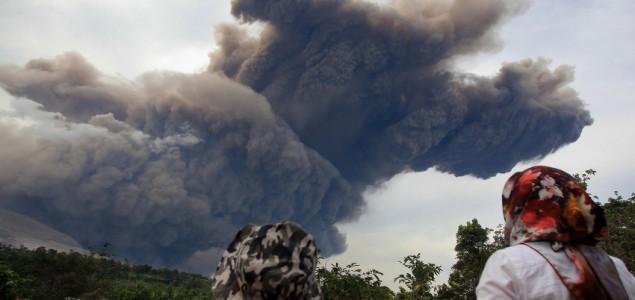Indonezija: Ponovo proradio vulkan Sinabung