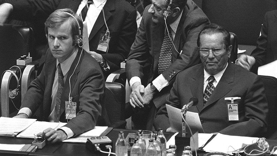 ETYK 1975 Jugoslavian presidentti Josip Broz Tito kokoussalissa Metro_2010_00142877