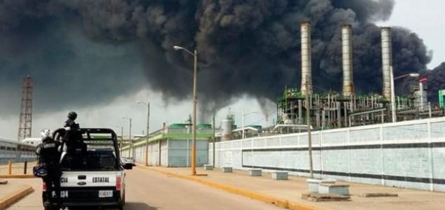 Meksiko: Eksplozija na naftnoj platformi