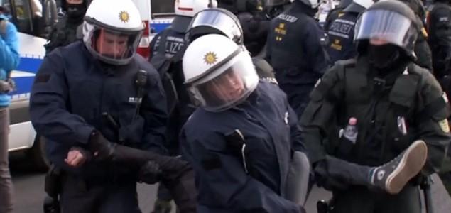 Sukob ljevičara i desničara u Njemačkoj, uhićeno 400 osoba