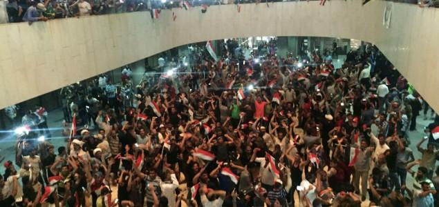 Stotine demonstranata provalile u Zelenu zonu u Bagdadu
