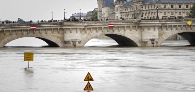 Pariz: Najviši vodostaj Seine u posljednjih 30 godina