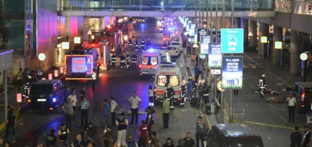 Deseci mrtvih u napadu na aerodrom Ataturk
