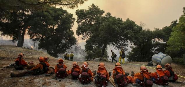 Požar u Kaliforniji gasi 1.600 vatrogasaca