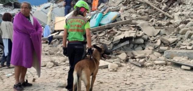 U jakom potresu u Italiji najmanje šest poginulih. Gradonačelnik Accumolija: 'Pola grada više ne postoji'