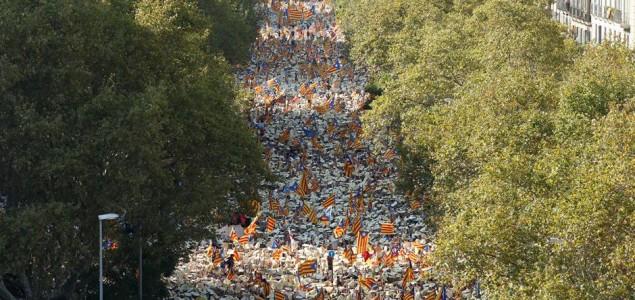 Katalonci na ulicama traže otcjepljenje od Španije