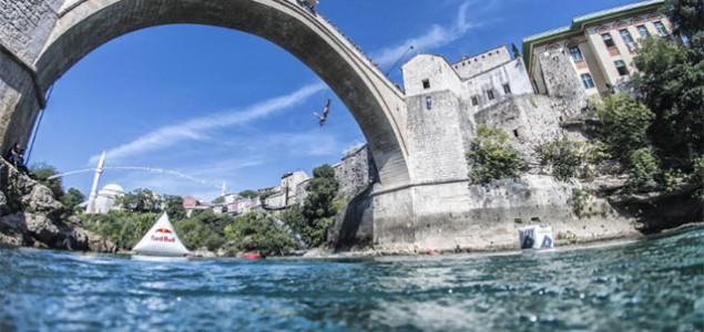 Navratil i Richard pobjednici Red Bull Cliff Diving takmičenja u Mostaru