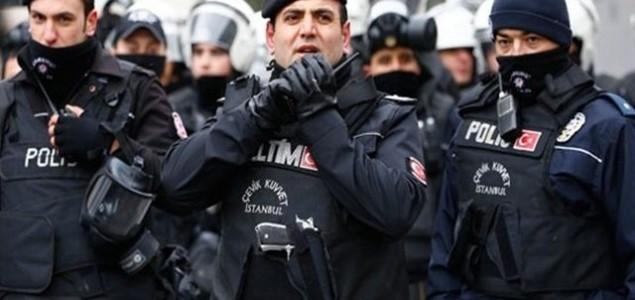 Nastavak čistki i zatvaranja u Turskoj