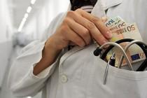Korupcija u bh zdravstvu ili kako smo sistematski uništeni podmazivanjem i čašćavanjem
