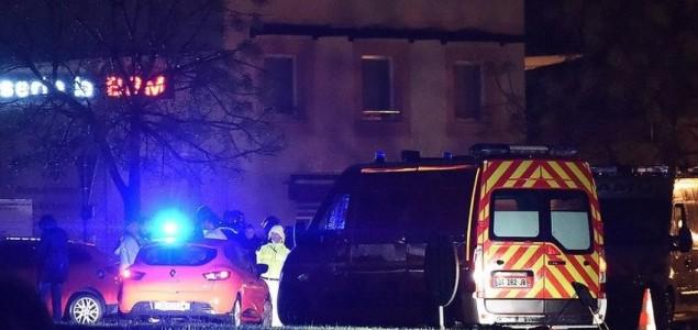 Francuska: Žena ubijena u napadu na starački dom, naoružani napadač u bijegu