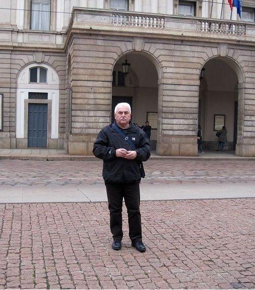 1. Autor ispred  Milanske skale (Za Tacno