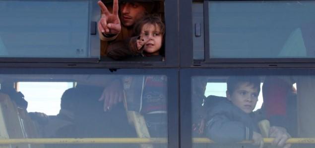 Alep: Evakuisano blizu 8.000 civila