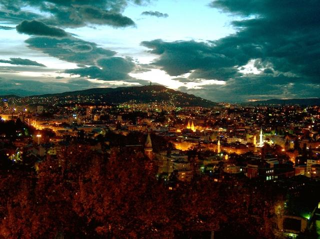 dc3c7c3387c61e8ad6cc96102bec1e0e_pogled-na-Sarajevo
