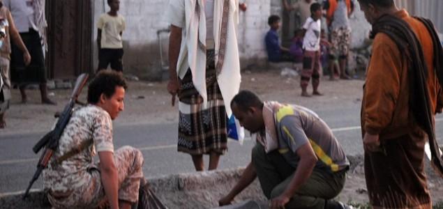 Samoubilački napad u Jemenu, najmanje 30