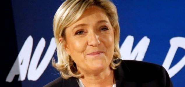 Ukrajina stavlja Le Pen na crnu listu, zabranjen joj ulazak u zemlju
