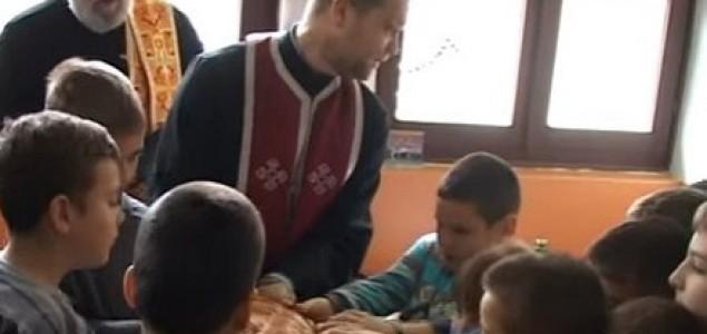 Ateisti Srbije: Protivustavno je da sveštenici obeležavaju Svetog Savu u školama