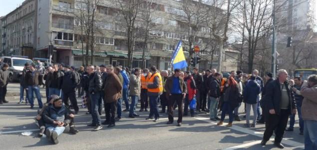 Radnici Željezare otišli kućama, za sedam dana najavljen prijelomni sastanak u Zenici