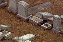 U Filadelfiji oskrnavljeno 500 grobova na Jevrejskom groblju