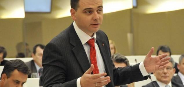 Magazinović pisao Čoviću: BiH treba pomoći Hrvatskoj da prestane kršiti ljudska prava