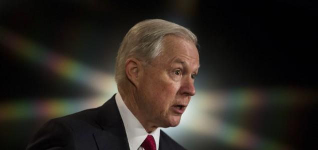 Trump podržao ministra Sessionsa, demokrate traže ostavku zbog Rusije